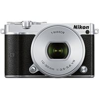 Produktbild Nikon N1 J5 Kit System Kamera, 1 NIKKOR VR 10–30 mm 1:3,5–5,6 PD-Zoom Zoom, 20,8 Megapixel silberfarben